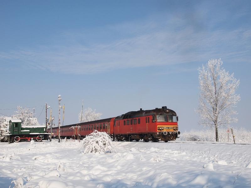 Az MDmot 3003-Btx 016 motorvonat Pusztakettős kocsmamegállóhelyen fotó