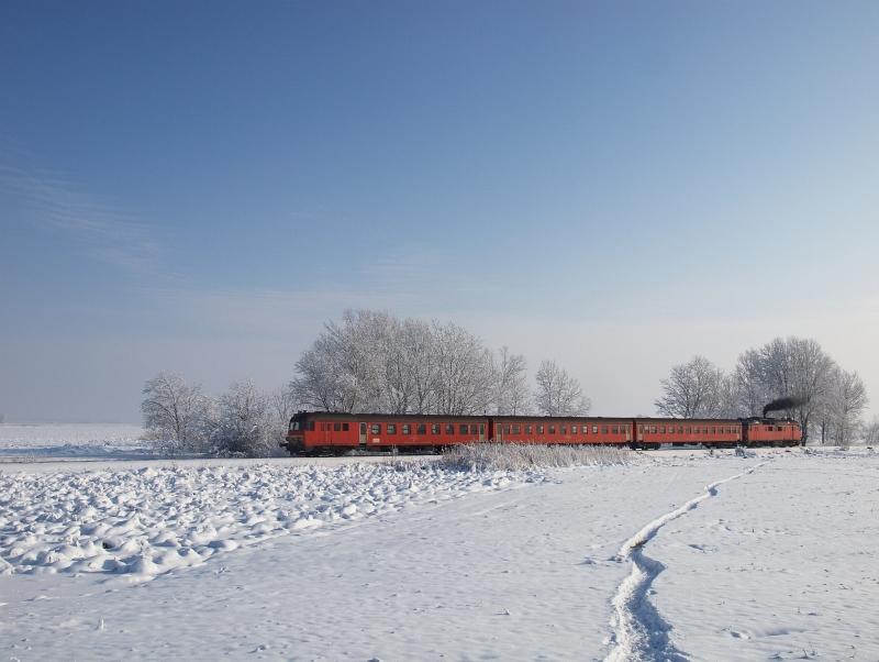 Az MDmot 3003-Btx 016 motorvonat Pusztakettős és Tiszaszentimre között fotó