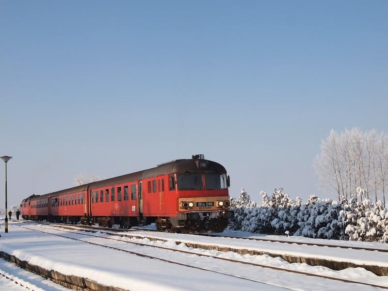 Az MDmot 3003-Btx 016 motorvonat Poroszló állomáson fotó