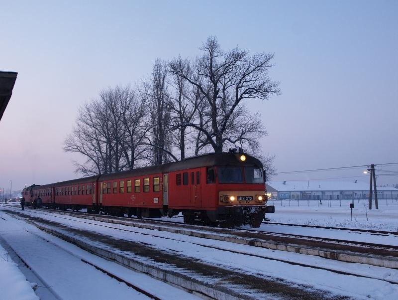 Az MDmot 3003-Btx 016 motorvonat Balmazújváros állomáson fotó