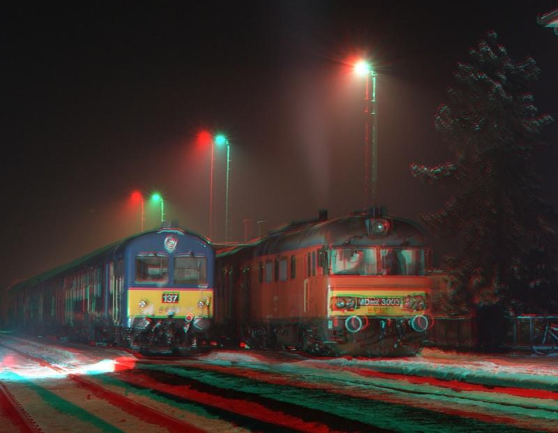 MDmot 3003 és BDt 137 Balmazújváros állomáson anaglif 3d térhatású fényképen fotó