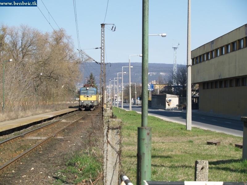 V43 1167 Bánhida állomáson fotó