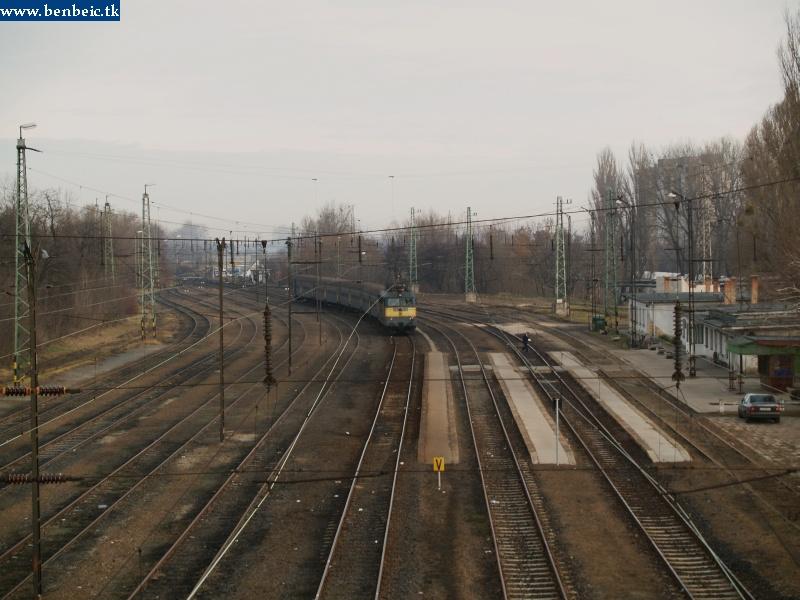 V43 1332 kijár Oroszlányból fotó