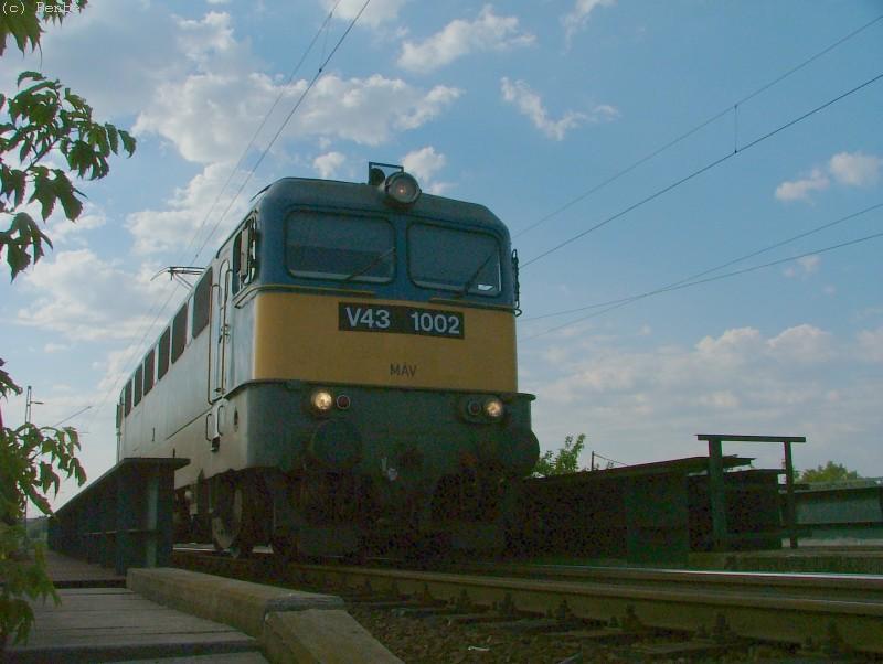 V43 1002 a Körvasúton, gépmenetben fotó