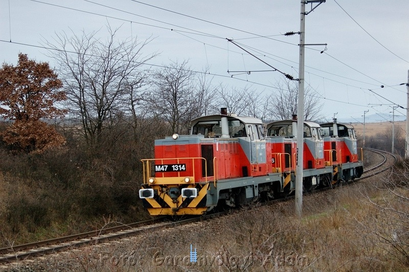 The M47 1314 and two of its siblings go back to Székesfehérvár depot after a week's working at Veszprém photo