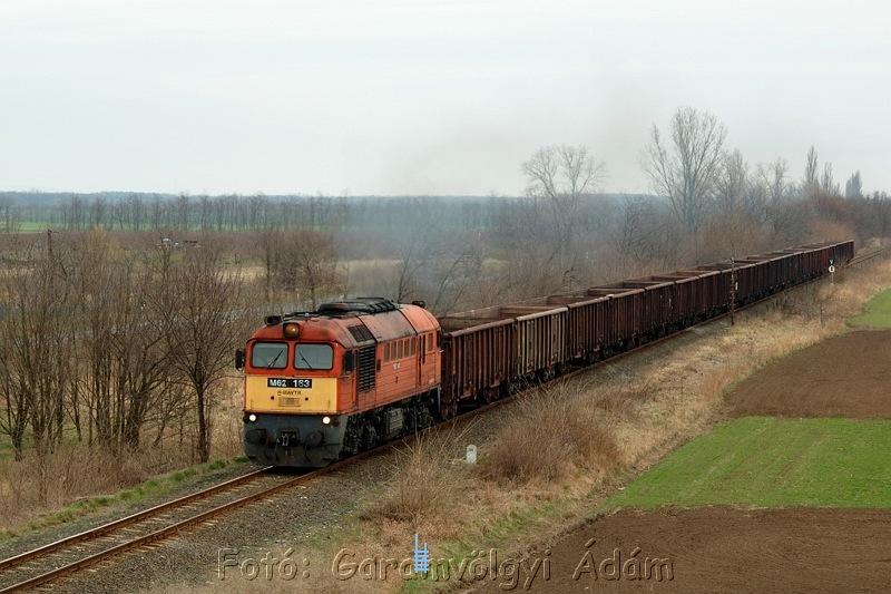 M62 163 Aba-Sárkeresztúr elõtt fotó