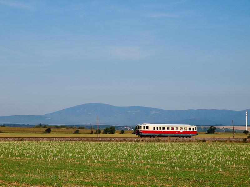 The ŽSR M262 004 seen between Prílepi and Zlaté Moravce photo