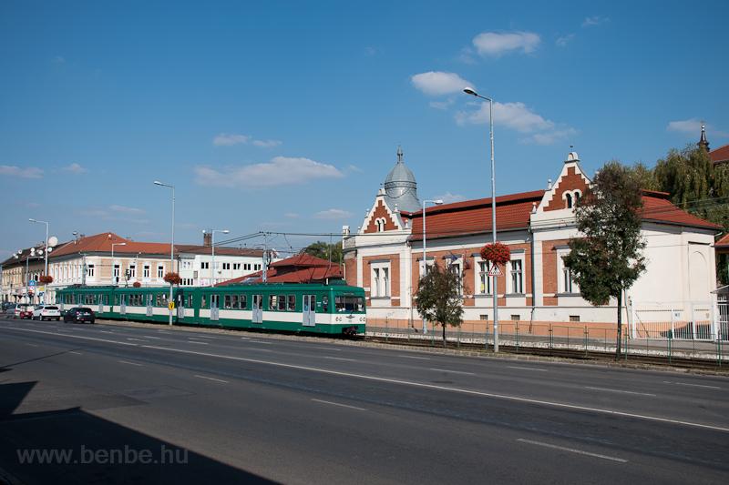 A MÁV-HÉV MX 889 Soroksár, Hősök tere állomáson fotó