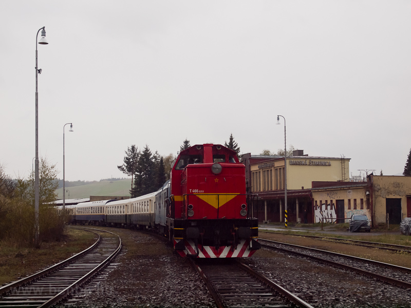 The ŽSR T466 0253 seen photo