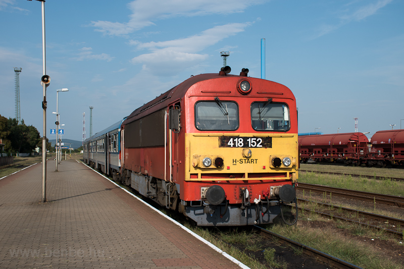 A MÁV-START 418 152 Sátoraljaújhely állomáson fotó