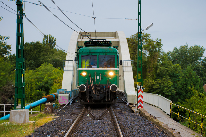 A MÁV-HÉV LVII 90 Dunahíd forgalmi kitérő és Dunaharaszti külső között fotó