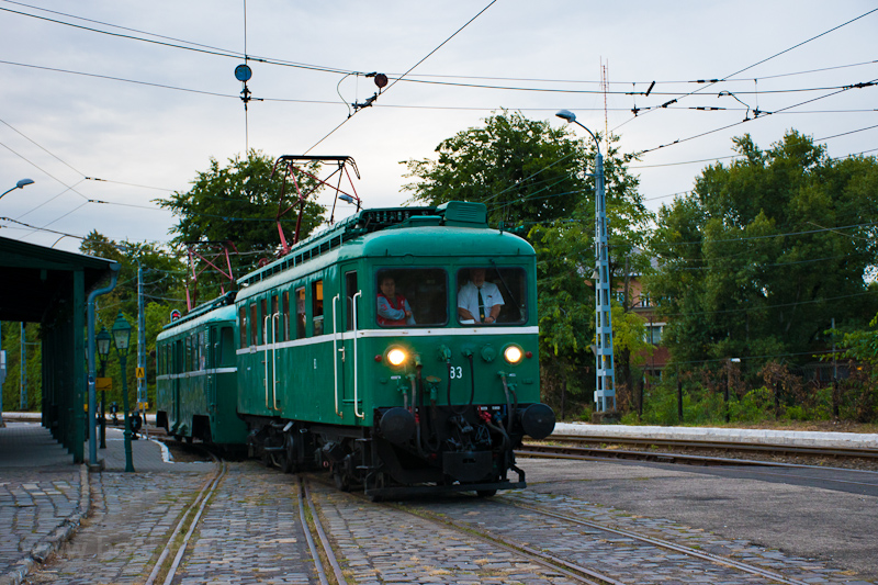 The MÁV-HÉV LVII 83 seen at picture