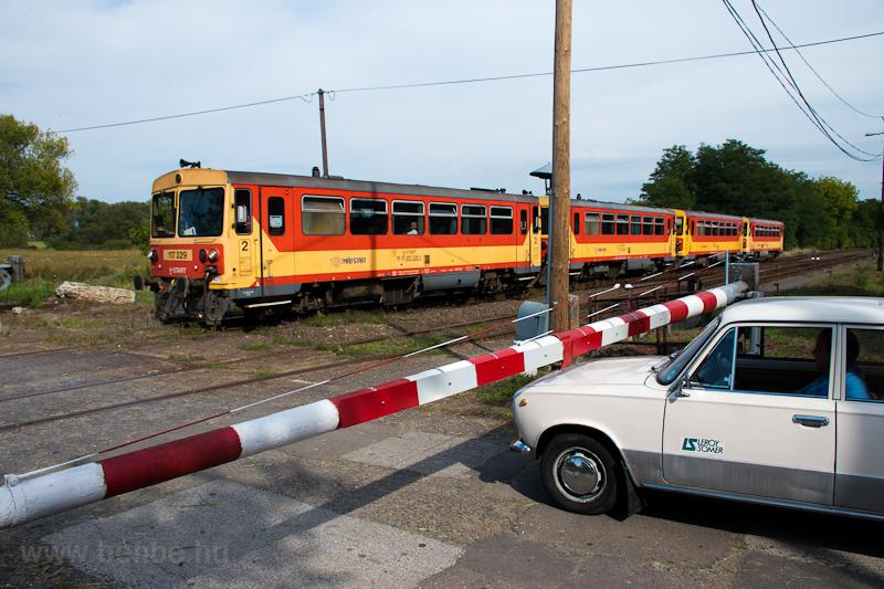 The MÁV-START 117 329 seen  photo