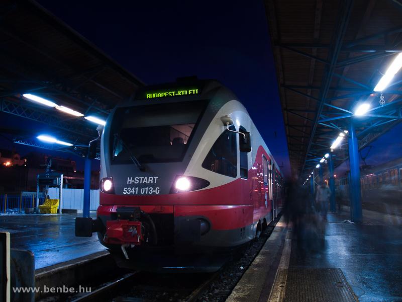A MÁV-START 5341 013-0 Budapest-Keleti pályaudvaron hajnalban fotó