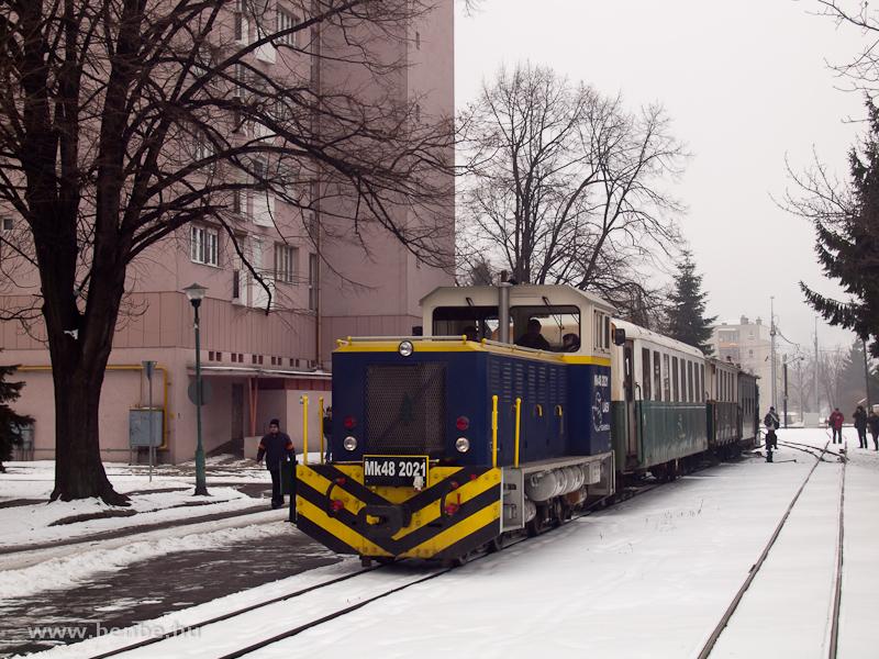 A L�EV Mk48 2021 p�lyasz�m� hibrid d�zelmozdonya Miskolc-Dorottya u. v�g�llom�son fot�