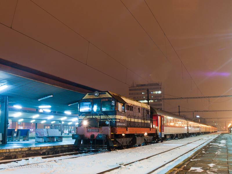 A ZSSKC 721 102-2 pályaszámú tolatómozdonya Kassán (Kosice, Szlovákia) fotó