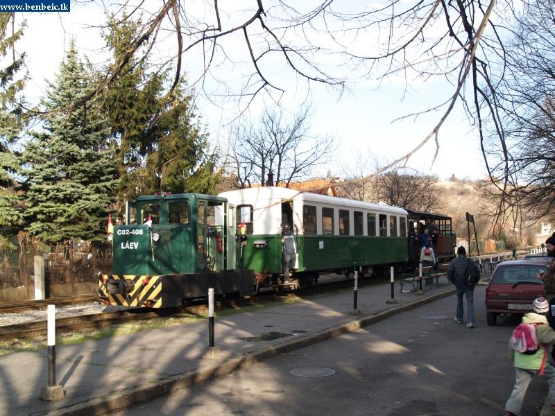 C02-408 a Dorottya utcai végállomáson fotó