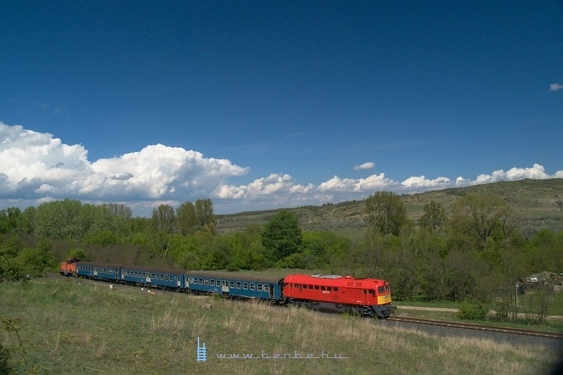 M62 224 a Bicske-Székesfehérvár vonalon a pákozdi kvadpályánál fotó