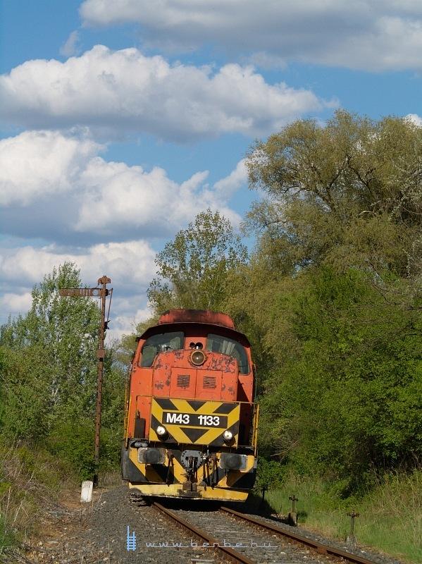 M43 1133 Pátka HM iparvágány-kiágazás, ex-megálló-rakodóhelynél fotó