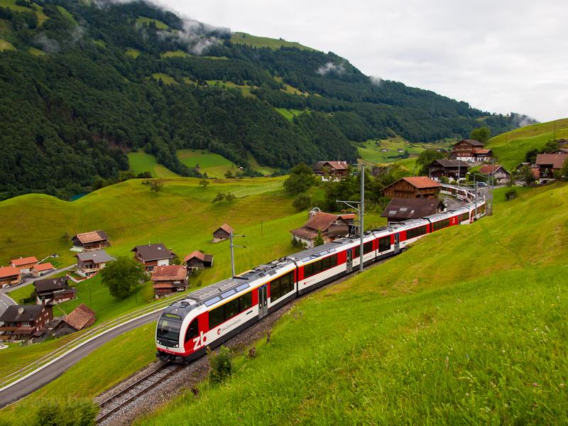A Zentralbahn ABeh 150 104-4 Kaiserstuhl OW és Lungern között fotó
