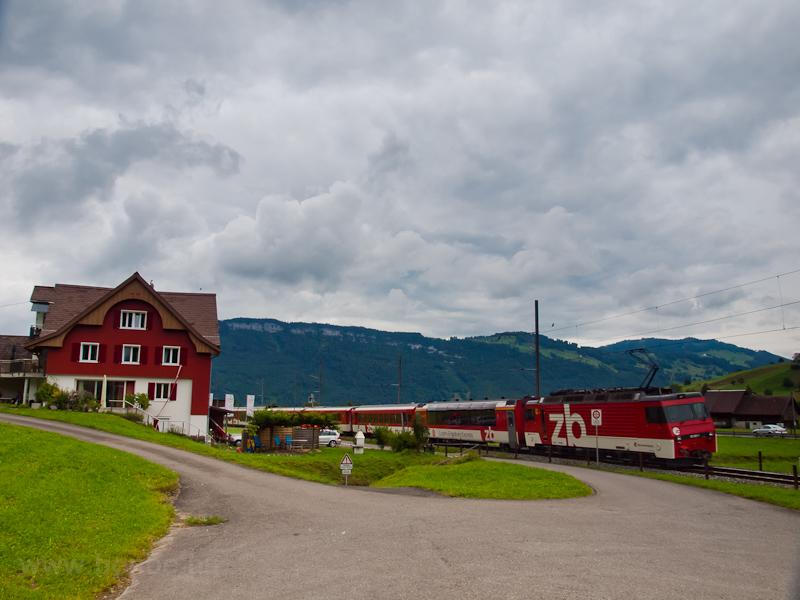 A Zentralbahn HGe 4/4 II  101 962-1 Stans és Dallenwil között fotó