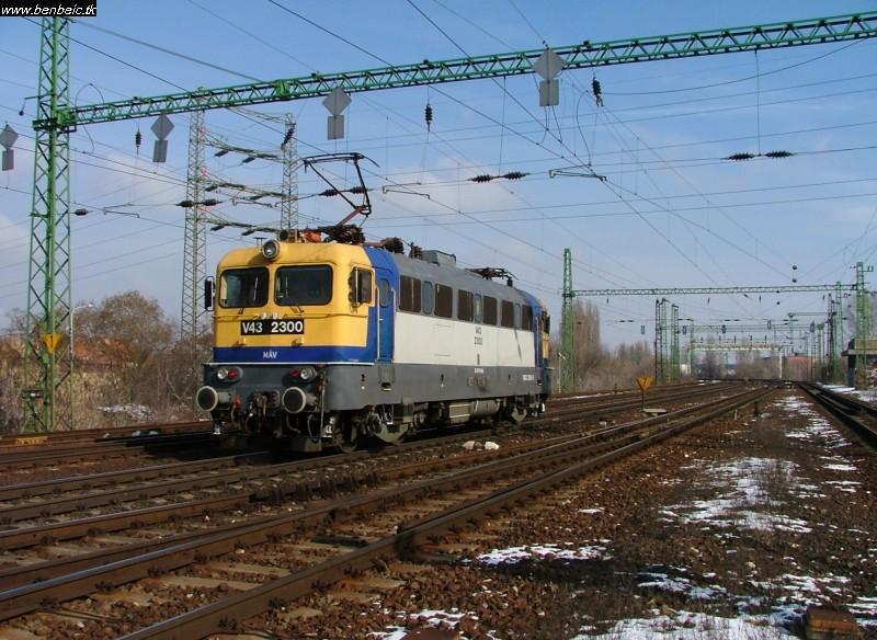 V43 2300Ferencvárosnál fotó