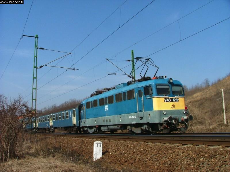 V43 1252 Pécelnél fotó