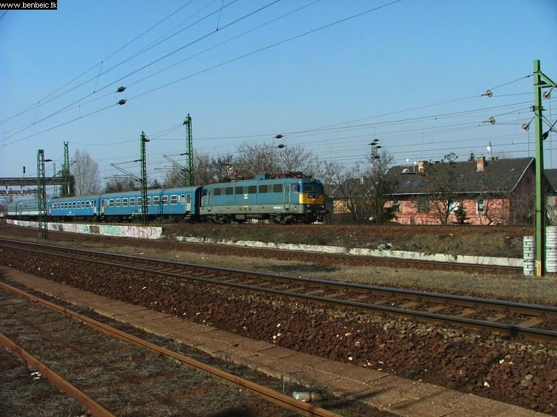 V43 1301 Kõbánya felsõ felé halad fotó