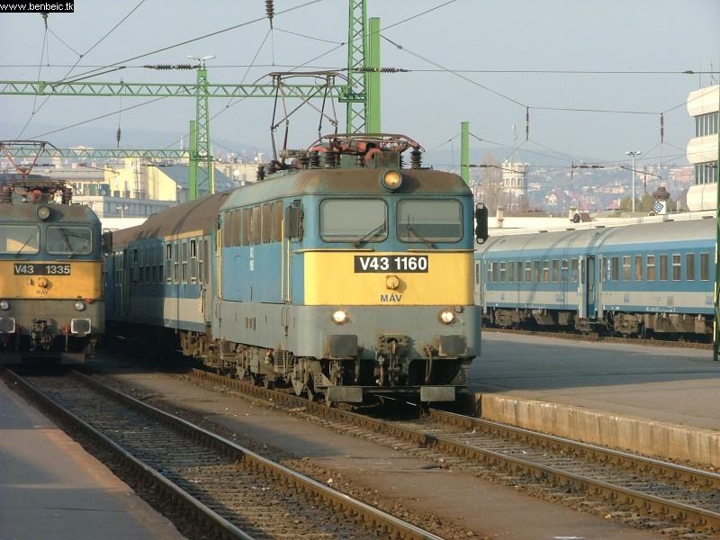V43 1160 a Déli pályaudvaron fotó