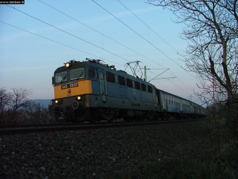 V43 1337 Törökbálintnál fotó