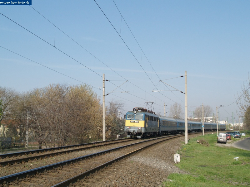 V43 1103 a következõ órai IC-vel fotó