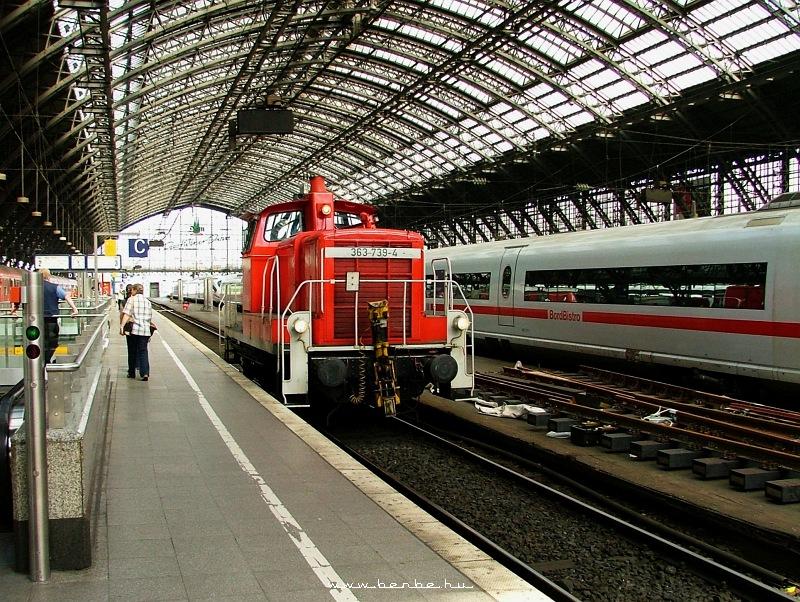 363 739-4 Köln fõpályaudvarán fotó