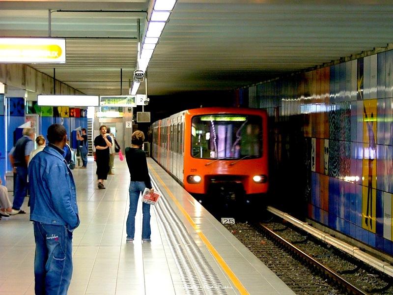 A brüsszeli metró Mérode állomása fotó