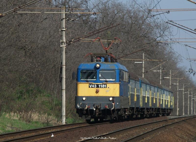 V43 1181 Martonvásárnál fotó