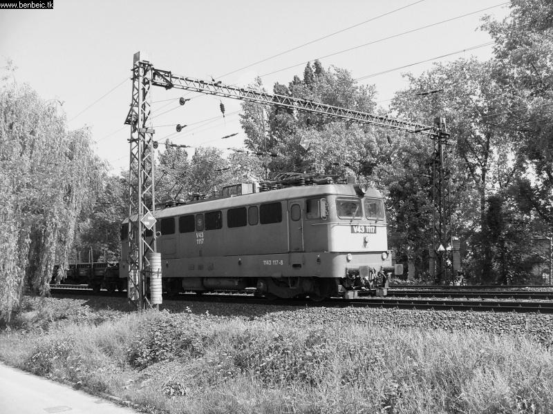 V43 1117 Budafoknál fotó
