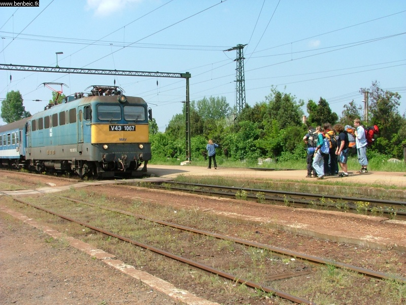 V43 1067 Gárdonyban fotó