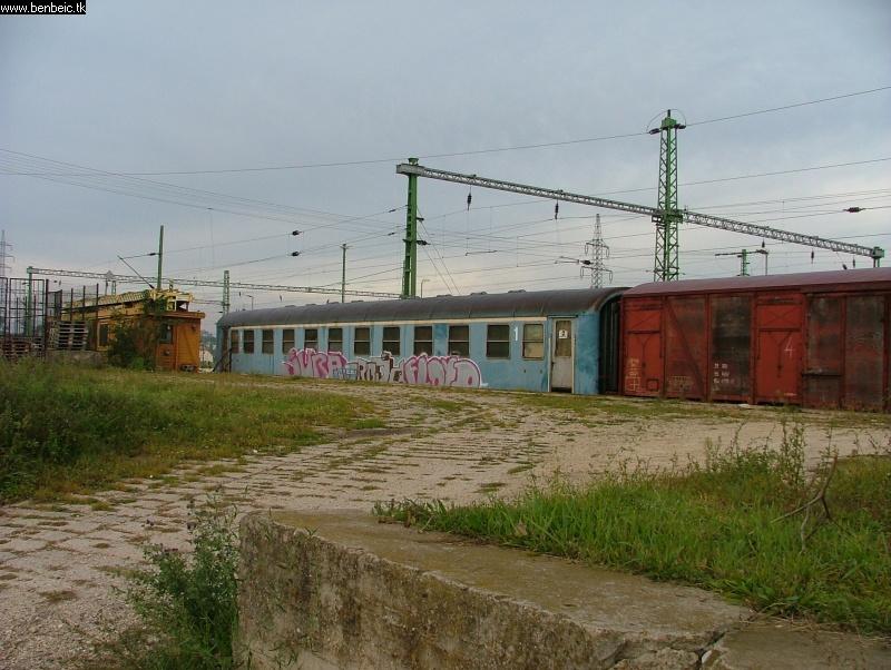 PFT kocsik (köztük egy régi Apv) Veszprémben fotó