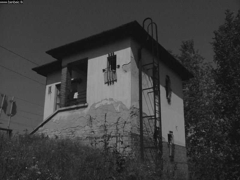 Budafok-Albertfalva �llom�s kezd�pont fel�li tornya. fot�