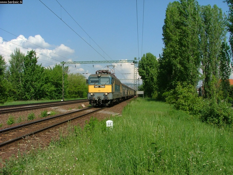 V43 1149 Budafok-Albertfalvára jár be fotó