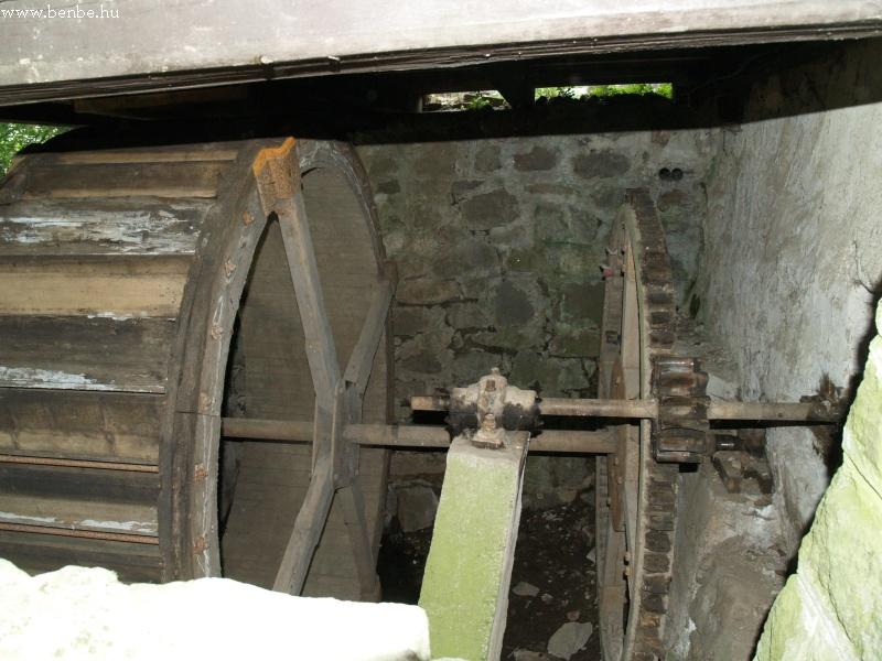Nézzünk egy kicsit még körbe a faluban, nézzük meg például a gyönyörû régi malomüzemet fotó