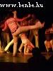 A capoeira már félig harcmûvészet, de roppant látványos