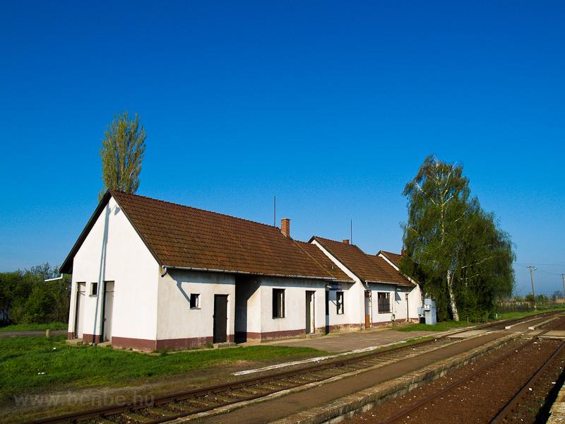 Mezőtárkány vasútállom fotó