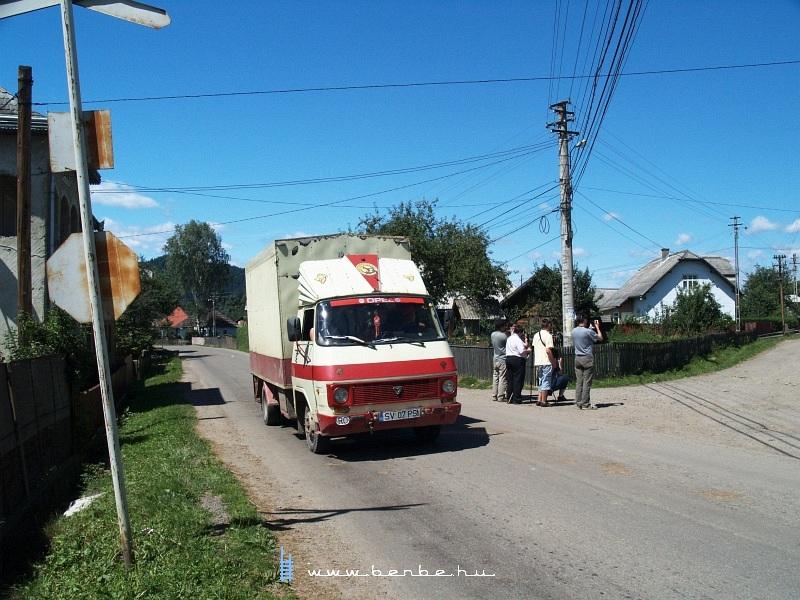 Kisteherautó Vatra Moldovitei-ben fotó