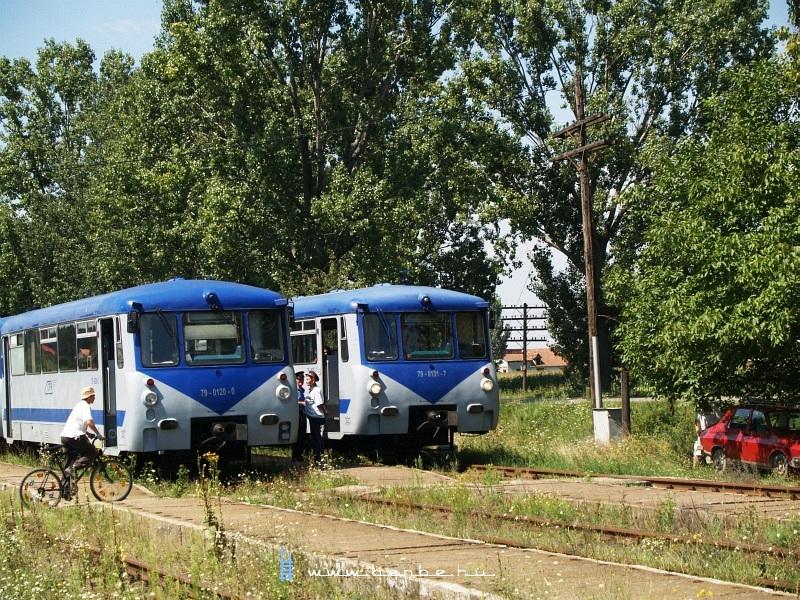 Az ex-DR 79 0120-0 és 79 0131-7 Sárközújlak állomáson fotó