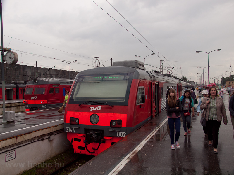The RŽD ET4A 002 and t photo