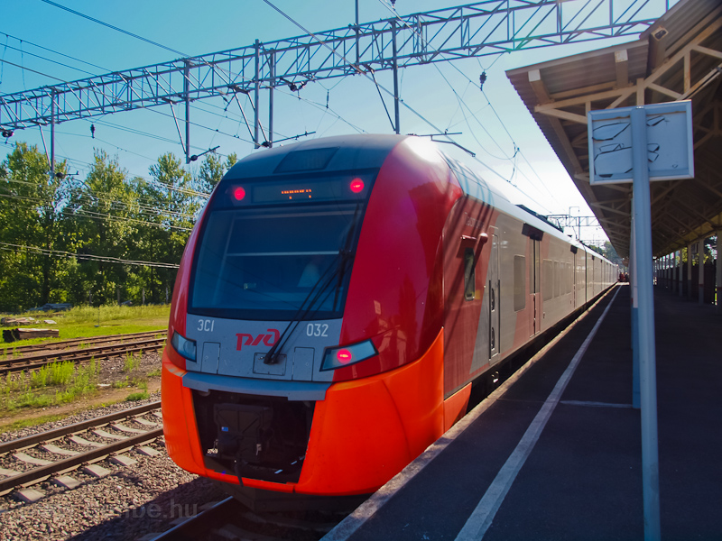 The RŽD ES1 032 seen a photo