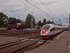 Az RŽD E<sup>M</sup>725-39 és az EVSz1-06 Tver állomáson