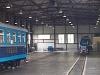 Két sínautó, a TU2-es és a szalonkocsi a fűtőházban Szentpétervárott