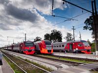 Az RŽD ESz1 009 és a DT1 007 és DT1 009 Luga állomáson