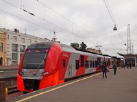 Az RŽD ESz1-007 <q>Lasztocska</q> a szentpétervári Finlandjszkíj pályaudvaron